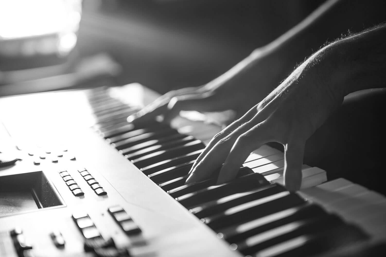 best digital piano for beginners. Black Bedroom Furniture Sets. Home Design Ideas